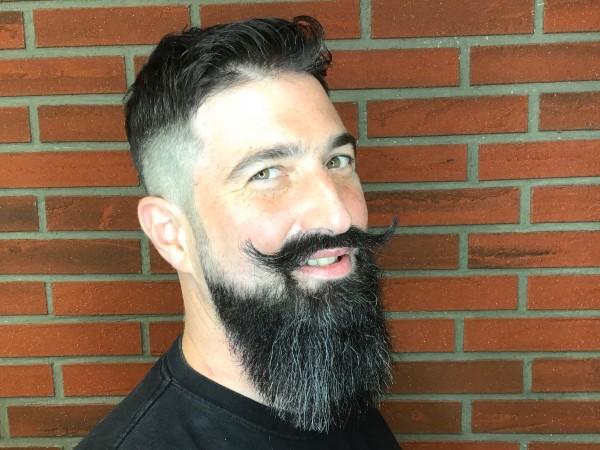 Bartschnitt / Pflege / Rasur